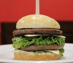 Big Boi Burger at Dream Inn Luxury Apartments