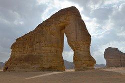 La Roccia dell'Elefante nel deserto vicino alla città di Al-Ula (Photo by Fayez Nureldine / AFP)