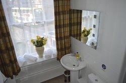 Rothay Suite bathroom