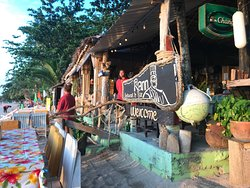 Great beach resto, perfect for kids!
