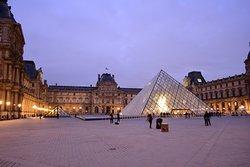 Il Louvre prima dell'apertura