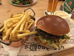 Piquant Burger and fries...