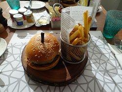 バーガー。お腹イッパイになる。