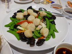 Stir Fried scallops with green beans
