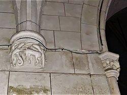 Une église simple, classée en 1925 et en pleine restauration depuis 2017 et et encore en 2019, mais vous pouvez la visiter