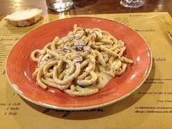 Passatelli with black truffle