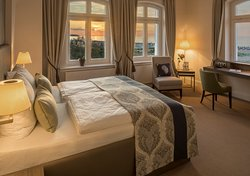 Panorama-Doppelzimmer mit direktem Ostseeblick, Blickrichtung Westen zum Sonnenuntergang, #205