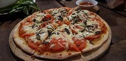 Tin Tin Pizzas
