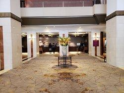 歴史あるモダンなホテル