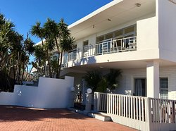 La Mer Guest house offers twelve, seaside-themed rooms. The property boasts with a beautiful Garden, Swimming pool, Lapa Barbeque / communal Kitchenette area. The rooms on the top floor also have spectacular views of the Port Elizabeth sunsets, harbour and beach.   The Guesthouse is well situated and close to the International Airport, Cultural Attractions, Boardwalk, Casino, Sports Facilities, Restaurants and the Harbour. Humewood has been described as prestigious and peaceful Neighborhood -