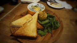 Great Appetizers, Okay Mains & Desserts