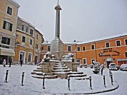 Piazza del popolo (Piazza dei Leoni)