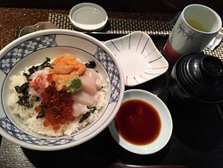 chirachi - sashimi on rice
