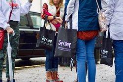 Sip 'n Shop Savannah Tours