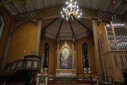 美しい木造教会です