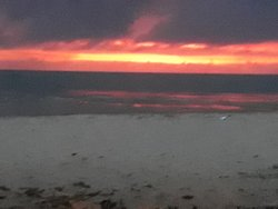 Aurora vista da praia...