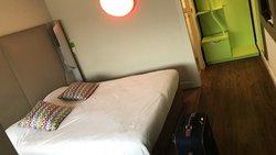 Bien arrivé ! Chambre très propre, accueillis  chaleureusement. Nous recommandons.
