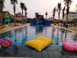 Cambo Beach Club