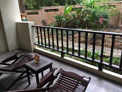 балкон.. кроме нас там жили гекконы и лягушка ) все безобидные.. говорят, к деньгам ;)