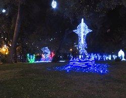 Il parco di sera durante le Luminarie