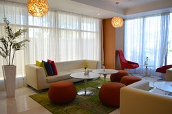 Lobby Lounge: Open 24/7 serving French pastries, coffees, quick sandwiches and fresh juices