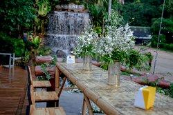 Outside surroundings of Zoo Cafe Restuarant