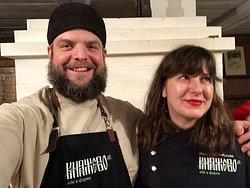 Оля Стрижибикова, шеф ресторана. Когда-то открыла ресторан Марк и Лев в Тульской области, а теперь и до собственной деревни добралась.