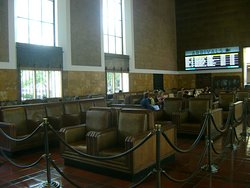 The grand passenger waiting area - Union Station