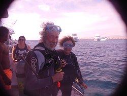 Prêts à sauter à Gordon Reef