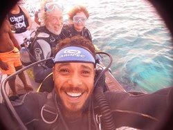 Adam fait un selfi avant que n ous ne sautions à Gordon Reef