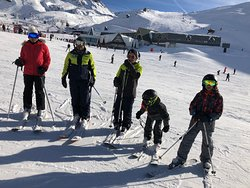 Stopping to pose in Val Thorens during ski run from Les Menuires to Val Thorens and back, with Prosneige instructors Jérôme and Andrea.