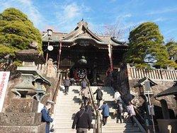 総門を抜けて階段を上ったところにある仁王門