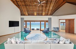 Extreme Wow Ocean Haven - Living Room