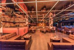 L'intérieur du Bâoli, qui à partir de minuit, se transforme en club jusqu'au petit matin.