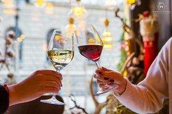 Nekada je čaša omiljenog vina sve što nam treba!🍷