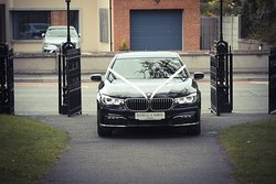 BMW 7 Series all decked out for Robbie & Michelles big day