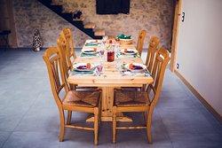 Table d'hôtes sur réservation, ambiance conviviale.