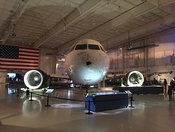 Airbus A320 used for US Airways Flight 1549, frontal view