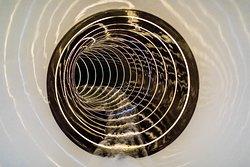 Lichteffekte und Zeitmessung bei der Röhrenrutsche 91m