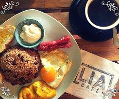 Deliciosos desayunos acompañados del mejor café de la zona