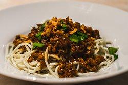 DAN DAN MEE Dry sauce noodle with chicken minced