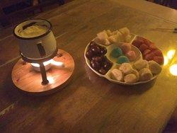 Fondue de chocolate e leite ninho