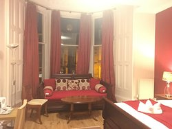 Very Spacious Suite in Grand Central Haymarket Home