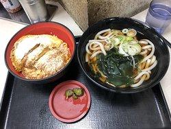 豬排飯+烏龍麵套餐JPY720-