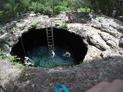 Cenote Calavera