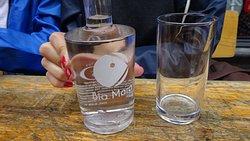 Agua personalizada Bia Mara