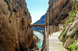 Come with us to Caminito del Rey and enjoy our guided tour in one of the most popular tourist attractions of Andalusia.