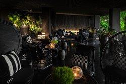 Baan Tha Lounge & Lawn