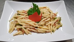 Srigoli con speck e zucchine