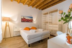 Opera House - 2 bedrooms apartment - via Frattini 1